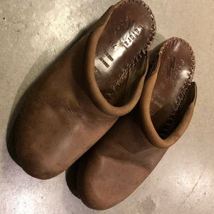 Natural Sport Brown Leather Clogs